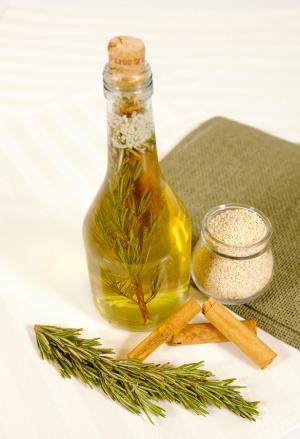 Everday uses for vinegar - Smart uses for vinegar outside the kitchen ...